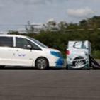 歩行者を守ろう! | 国交省、人の被害減らすブレーキ搭載車を初認定